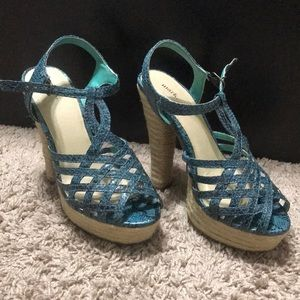 Mark / Avon heels